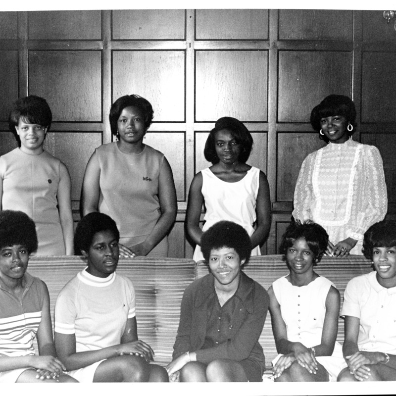 Alpha Kappa Alpha group photo