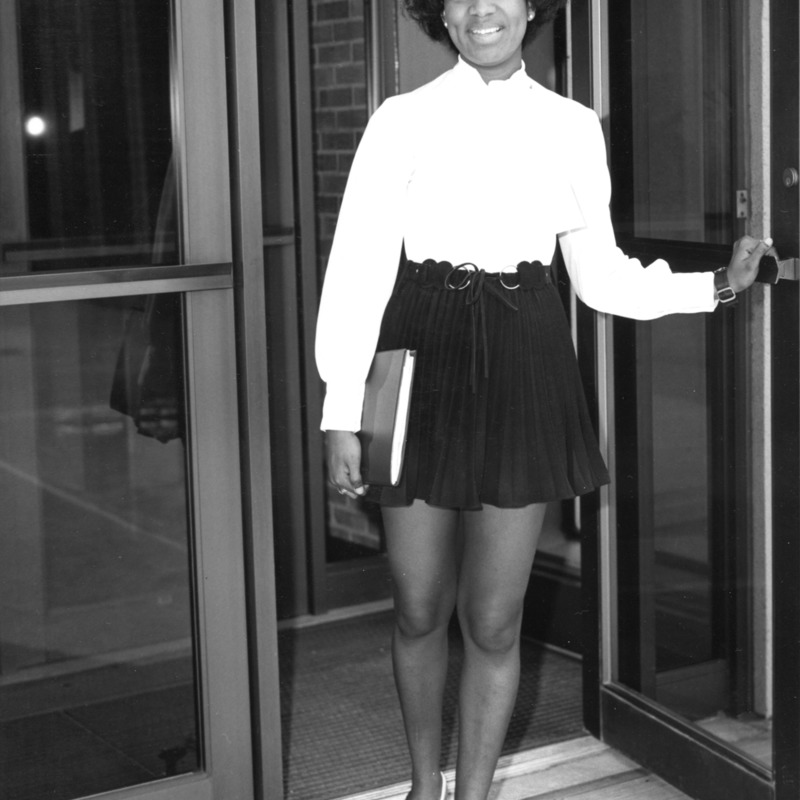 Gloria Wise-Washington of the Alpha Kappa Alpha Sorority