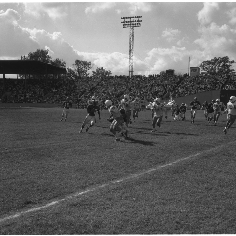 Homecoming football game, 1961