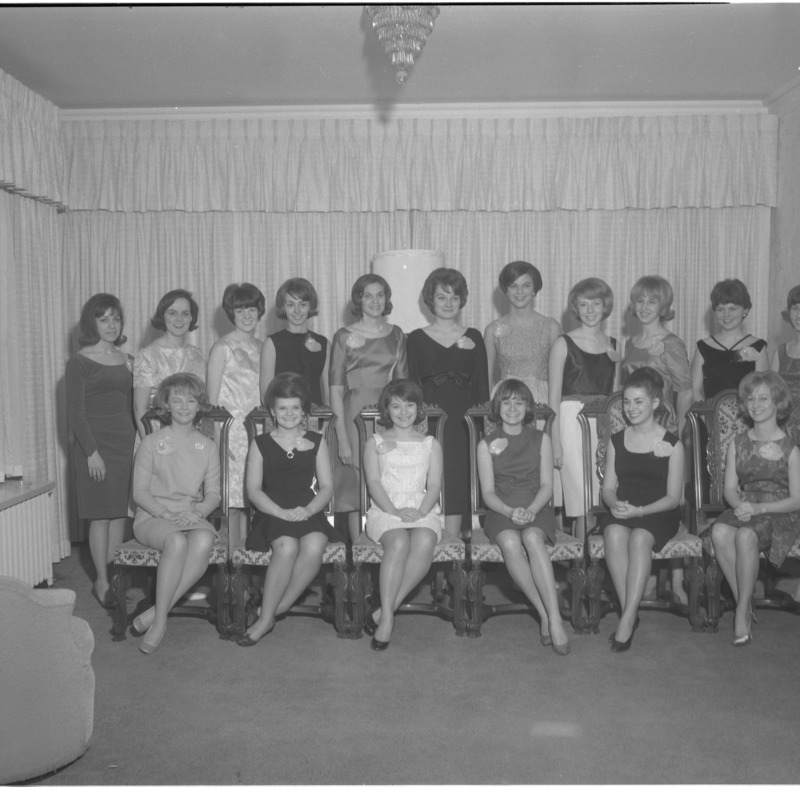 Alpha Omicron Pi group photo, 1964