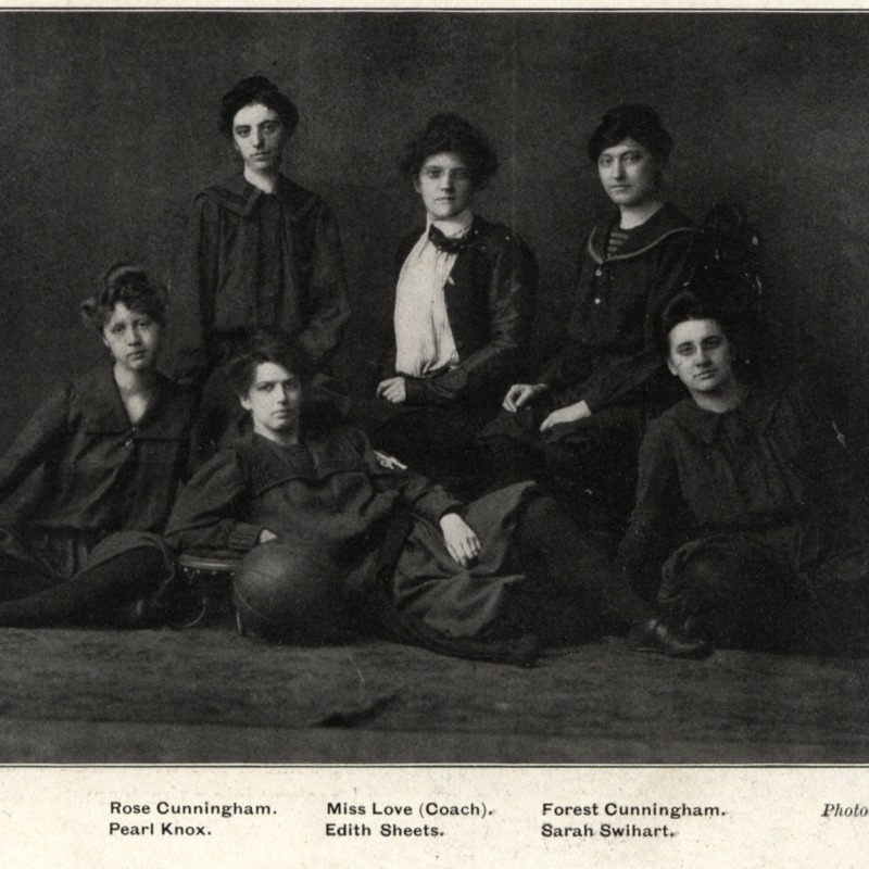 girls' basketball team 1902 copy.tif