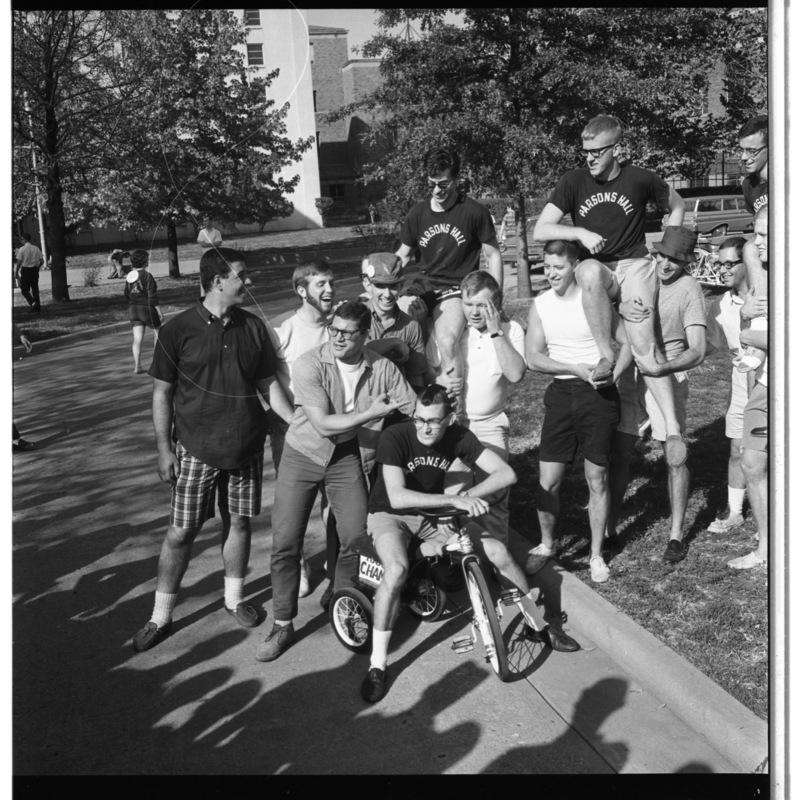 Parsons Hall trike race team