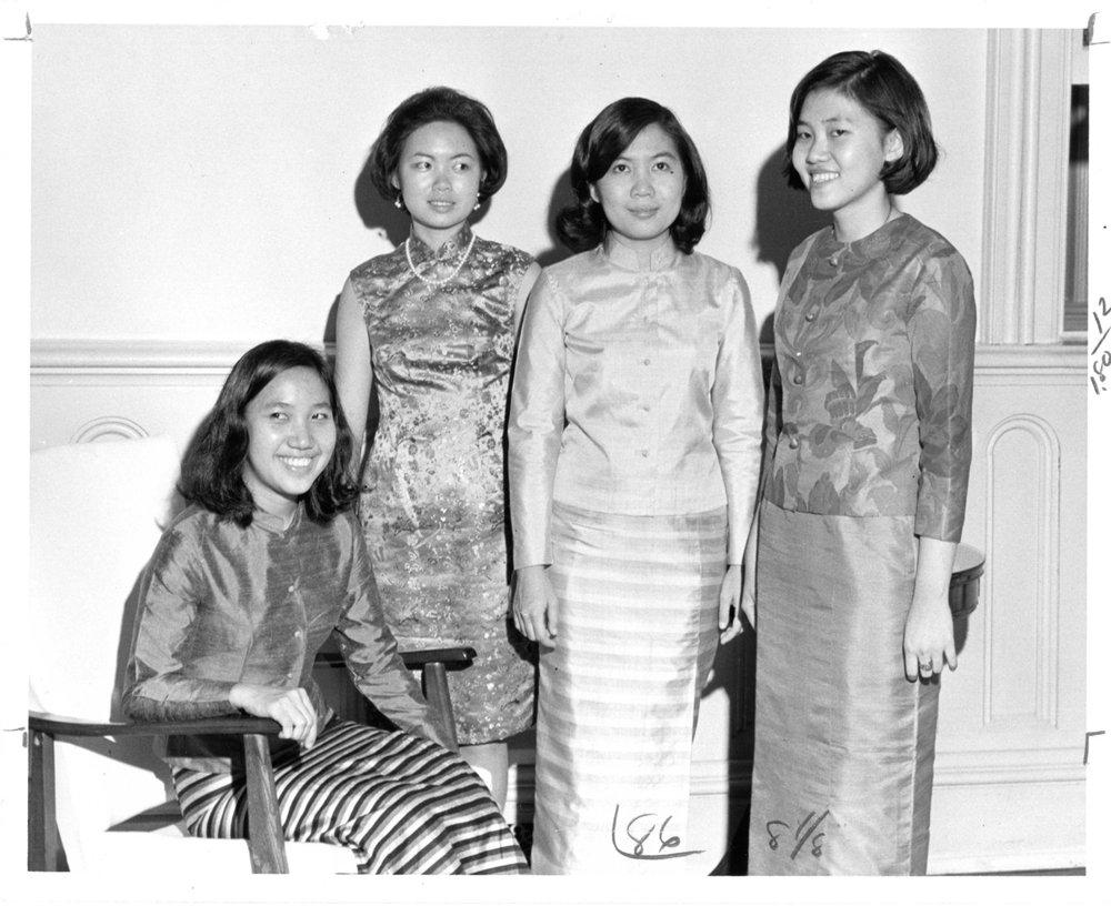 isua-RefCol-4875-IntrnlThaiStudents-1969.jpg